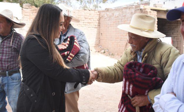CONCLUYE DIF JEREZ ENTREGA DE APOYOS INVERNALES EN COMUNIDADES