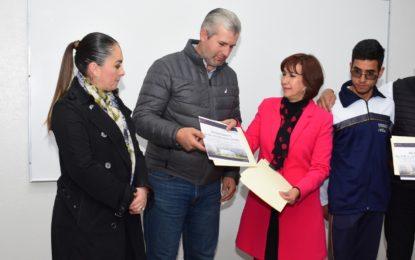 ACEVES SÁNCHEZ ENTREGA OBRA Y EQUIPO DE CÓMPUTO DEL PROGRAMA MIGRANTE 2X1
