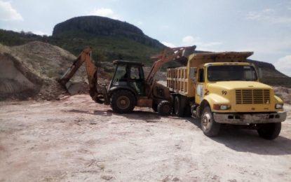 Continúa el mejoramiento de caminos en la zona rural de Jerez