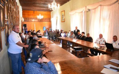 AUTORIDADES Y TAXISTAS ACUERDAN ESTRATEGIA DE PREVENCIÓN DEL COVID-19 EN JEREZ